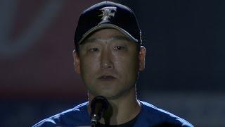 【プロ野球パ】中嶋聡が最後のお願いをして、29年間、魂の投球受けたミットを置く 2015/10/01 F-M