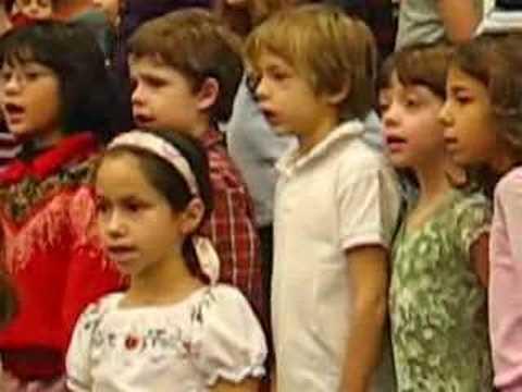 Lee 2nd graders sing