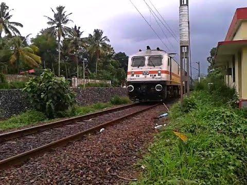 WAP7 Trivandrum - Chennai Mail pounds 7th halt Tiruvalla