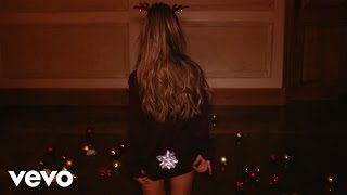 Repeat youtube video Ariana Grande - Santa Tell Me