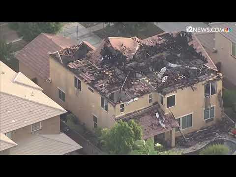 Lighting strike ignites house fires in Gilbert