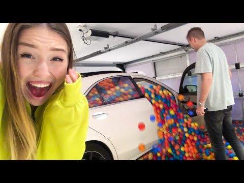 10.000 Bälle in Auto PRANK | Bibi