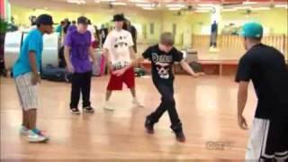 Repeat youtube video Shaq vs Justin Bieber - Dance-Off