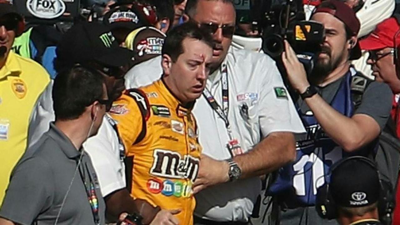 NASCAR Knock Out - Joey Logano & Kyle Busch Go Toe to Toe at Las Vegas Nascar Race - YouTube