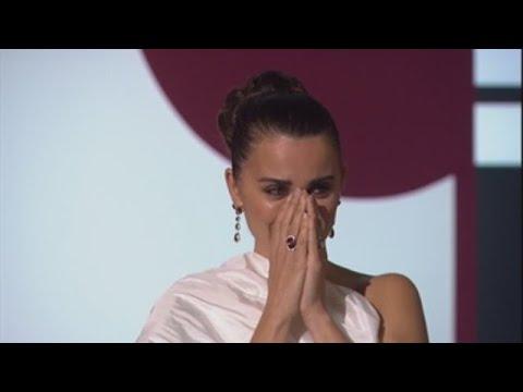 Penélope Cruz, emocionada ao recibir o Premio Donostia