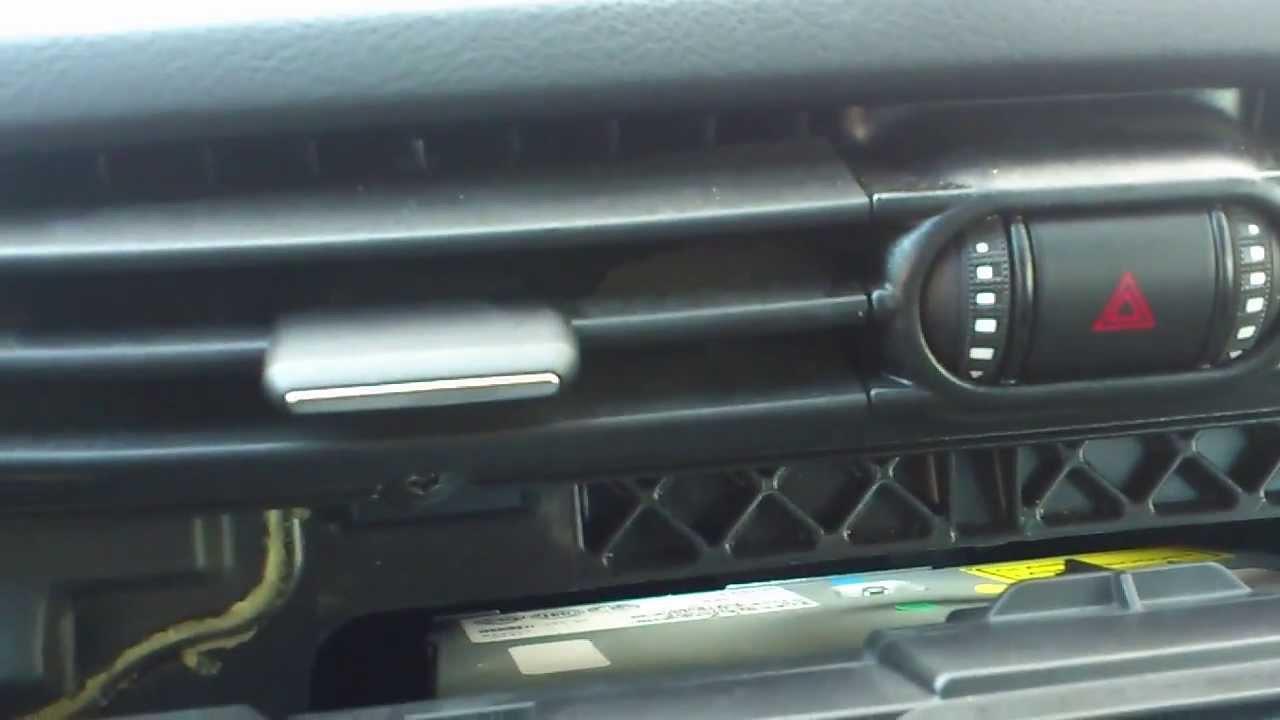 Alfa Romeo Giulietta Air Conditioning Vent Problem Youtube