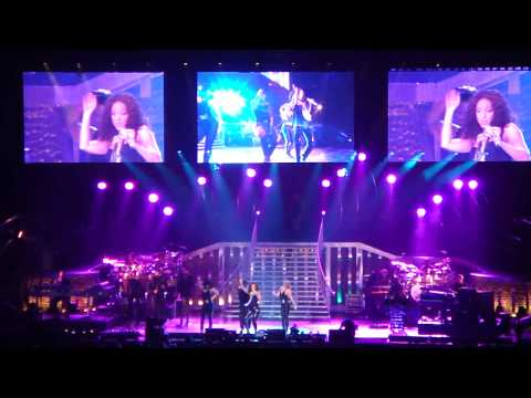 Alicia Keys feat. Beyonce - Put It In A Love Song - LIVE@MSG