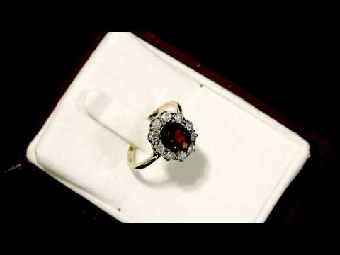 Garnet  and 0.60 ct Diamond, 18 ct Yellow Gold Cluster Ring -- Antique Circa 1920 - AC Silver W7371