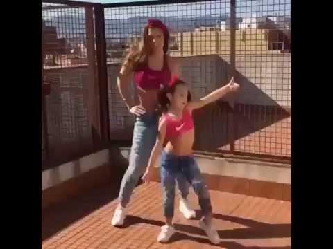 Мама с дочкой трахаются с любовником порно видео на TiLcom