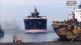 vuclip Detik Detik Kecelakaan kapal Saat Berlabuh