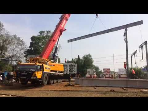Extreme Mobile Cranes in Action : Huge Crane for railway brigade