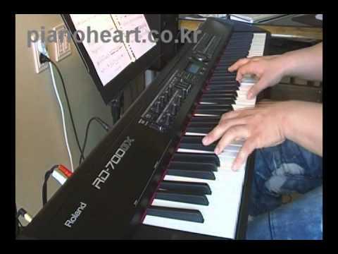 Natalie Cole L.O.V.E piano cover