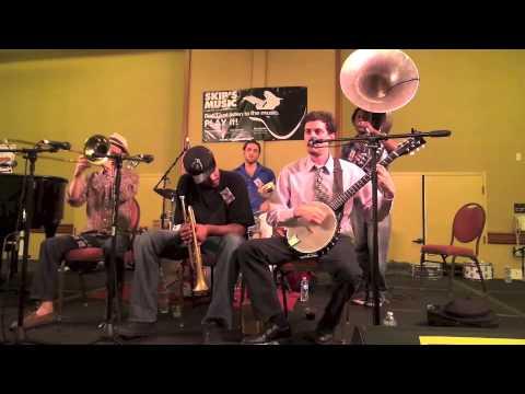 "New Orleans Swamp Donkeys Traditional Jazz Band ""Bourbon Street Parade"""