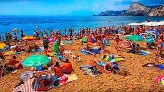 Отдыхающие массово едут на пляжи в Крым