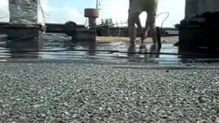 видео Не капитальный ремонт домов: спустя год после ухода строителей потекла крыша