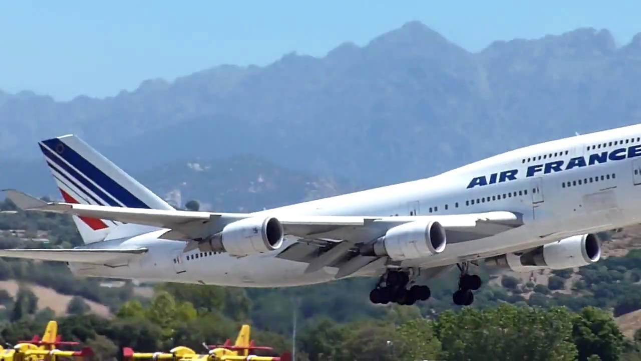 D collage d 39 un boeing 747 air france de l 39 a roport d for Interieur 747 air france