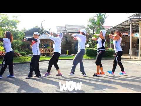"Joget ""Akimilaku Remix -Aisyah  Maimunah Jamilah ( Goyang Engkol ) /WKM Studio ,Sangatta ,KalTim"