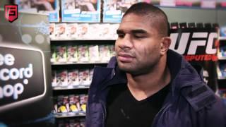 Video Alistair Overeem over z'n rol in UFC Undisputed 3   YouTub 2 download MP3, 3GP, MP4, WEBM, AVI, FLV Mei 2018