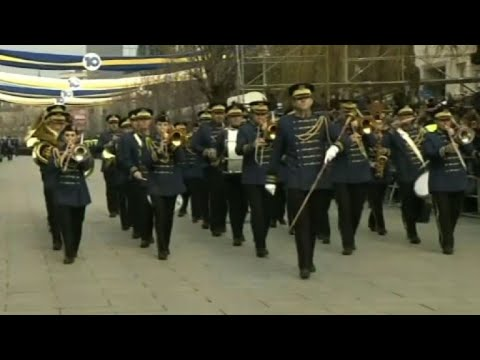 Kosovo marks 10 years of independence with military parade