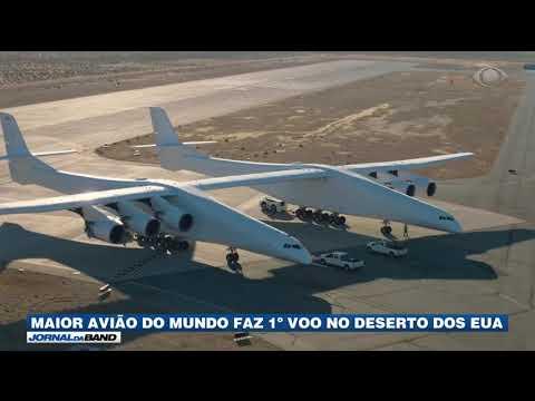 Maior avião do mundo faz 1º voo nos EUA thumbnail