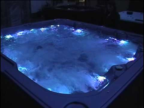 outdoor whirlpool mit led licht farbwechsel wunschbad24 youtube. Black Bedroom Furniture Sets. Home Design Ideas