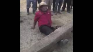 Video #ProvinciasCri Presidente del congreso Ngäbe es torturado en el 'cepo' download MP3, 3GP, MP4, WEBM, AVI, FLV November 2017