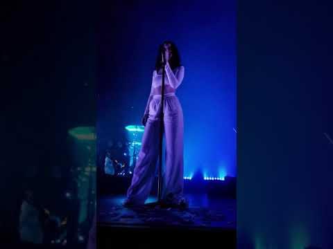 Sabrina Claudio Live - Frozen
