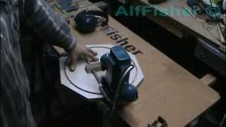Самоделки. Столярка. Простой фрезерный циркуль(Простое приспособление к фрезеру для фрезерования окружностей. Собрано за 5 минут из 8-ми миллиметровой..., 2014-01-08T15:20:37.000Z)