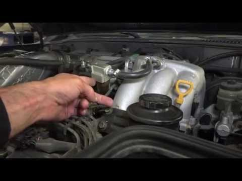 Toyota Land Cruiser FJ80: Axel Fluid and Fuel Filter Change Part 22