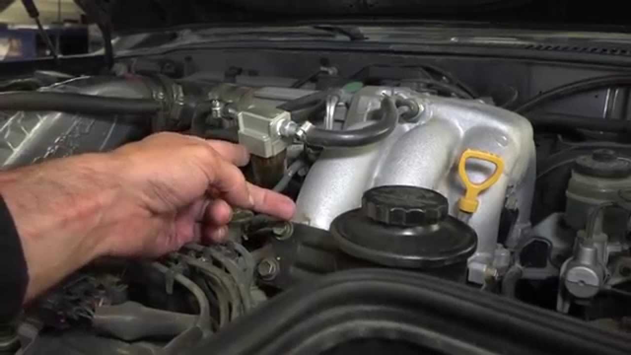 hight resolution of toyota land cruiser fj80 axel fluid and fuel filter change part 22 youtube