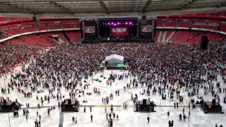 All Time Low - Backseat Serenade (Green Day support act @ Emirates Stadium London 1/6/2013