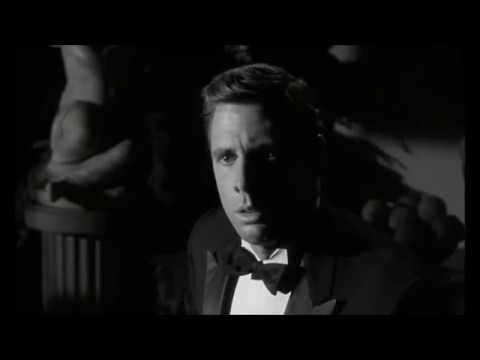 Hush... Hush, Sweet Charlotte (1964) - Gruesome murder scene