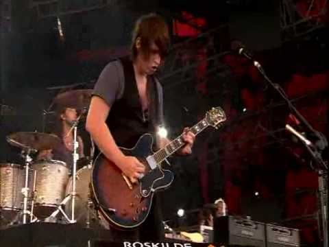 Kings of leon - Slow night, so long. Roskilde 2008 mp3