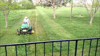 How to Stripe a Yard with a Garden Tractor
