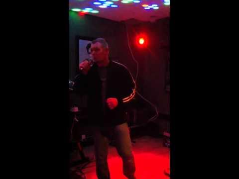 Makal singing karaoke