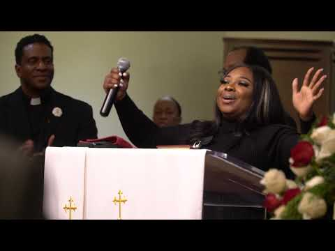 Tracy Bethea - Ricky Smiley Invites Jekalyn Carr to Sing