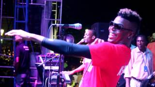 Video live performance K-Zino danse Zonbi