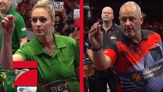 Frank Rosin & Phil Taylor vs. Ruth Moschner & Peter Wright | Gruppenphase | Promi Darts WM