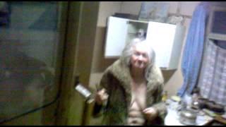 Бабка в барделе.mp4