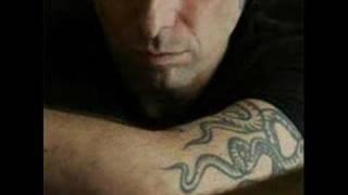 Andrés Calamaro -- Diez Años Después thumbnail