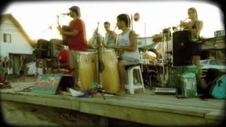 SONTAG en Punta del Diablo - La negra Guarilo (Esperando el tren)