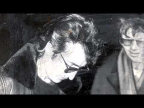 [Audio] John Lennon signs Mark David Chapman's Album