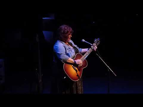 Susie Vinnick - A Hundred And Ten In The Shade (John Fogerty Cover)