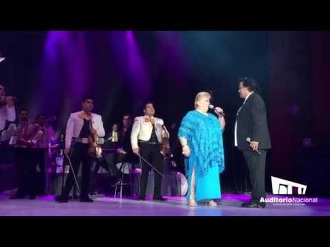 Juan Gabriel comparte escenario con Paquita la del Barrio