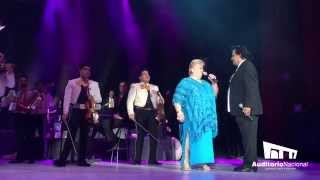 Juan Gabriel comparte escenario con Paquita la del Barrio thumbnail