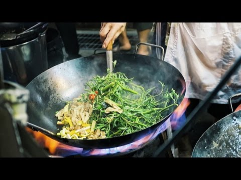 Nightlife at Bangkok's Chinatown ● Yaowarat Street Food during Vegetarian Festival
