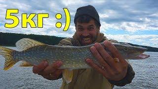 А толстые ГДЕ? Ловля щуки на спиннинг 2018. Рыбалка на реке Обь с лодки.