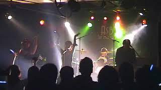 レベッカ「MOON」コピーバンドでライブ