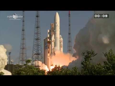 Décollage d'Ariane 5 - Vol 215 - 29/08/13 - EUTELSAT 25B/Es'hail 1 et GSAT-7