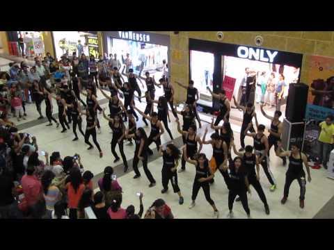 VIBRATIONS-THE DANCE STUDIO FLASHMOB DEHRADUN PACIFIC MALL